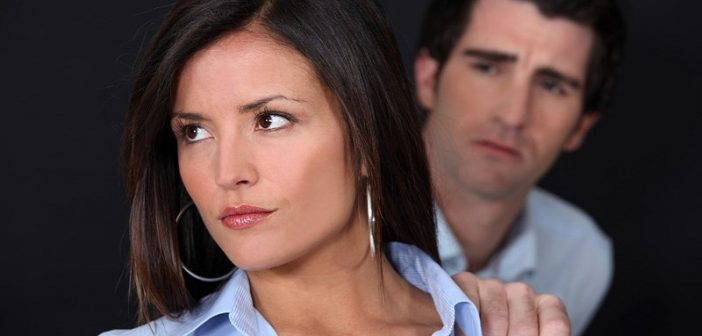 woman giving man cold shoulder