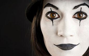 female mime artist