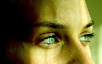 closeup of green eyes - concept of Machiavellianism