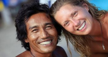 man and woman smiling and showing platonic love