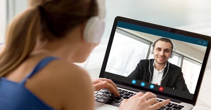 couple in long distance relationship on a video call