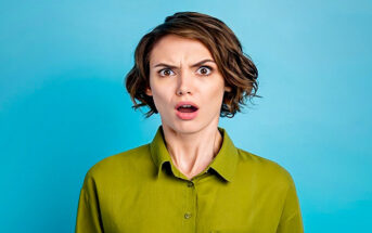 woman looking confused and ditzy - illustrating being scatterbrained